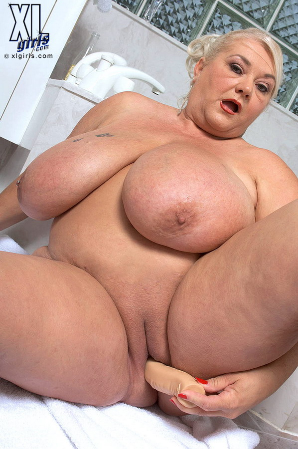 gros sein mature escort centre